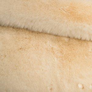 Fausse fourrure au mètre Tissu fausse fourrure super doux crème – 1550 Cream