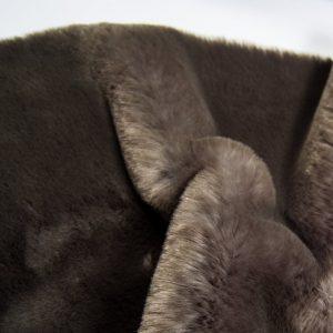 Fausse fourrure au mètre Tissu fausse fourrure super doux gris foncé – 1550 Dk. Grey