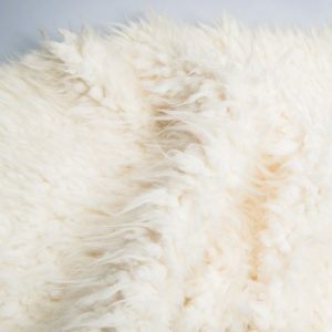 Fausse fourrure de luxe Fausse fourrure mouton tibétain super douce – Saluki 2R242 Cream Ostrich