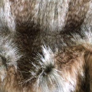 Fausse fourrure de luxe Tissu fausse fourrure imitation loup beige/brun – 3002 Beige Wolf