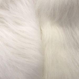 Fausse fourrure au mètre Fausse fourrure blanc écru à poil long – AC356-Ecru