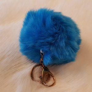 Produits finis Porte-clés pompon bleu en fausse fourrure super douce