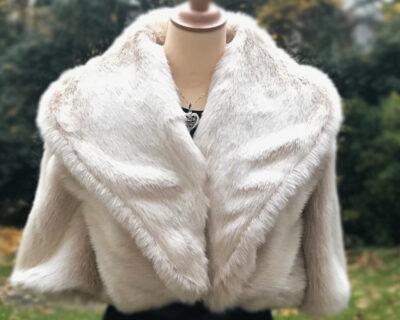Fausse fourrure de luxe au mètre pour tenue de mariée