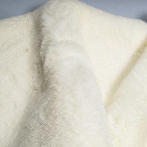 Fausse fourrure au mètre Tissu fausse fourrure super doux blanc cassé – 3105 R. White