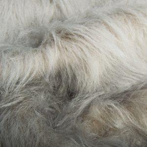 Fausse fourrure au mètre Fausse fourrure gris argenté à poil long – AC356-Silver Grey