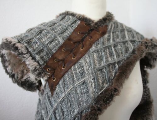 Isauregyss Costuming : cape d'Arya Starck en fausse fourrure